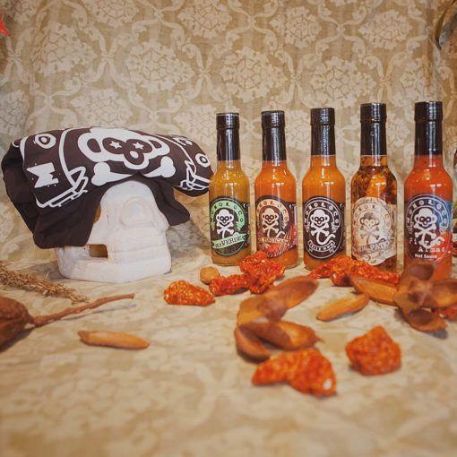 Atractiva combinación de salsas picantes de 150 ml y una camiseta para caballero o para dama